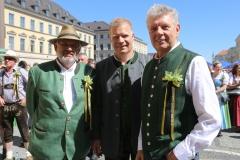 Karl-Heinh Knoll, Andreas Steinfatt, Dieter Reiter (von li. nach re.), Münchner Brauertag am Odeonsplatz in München am 29.6.2019